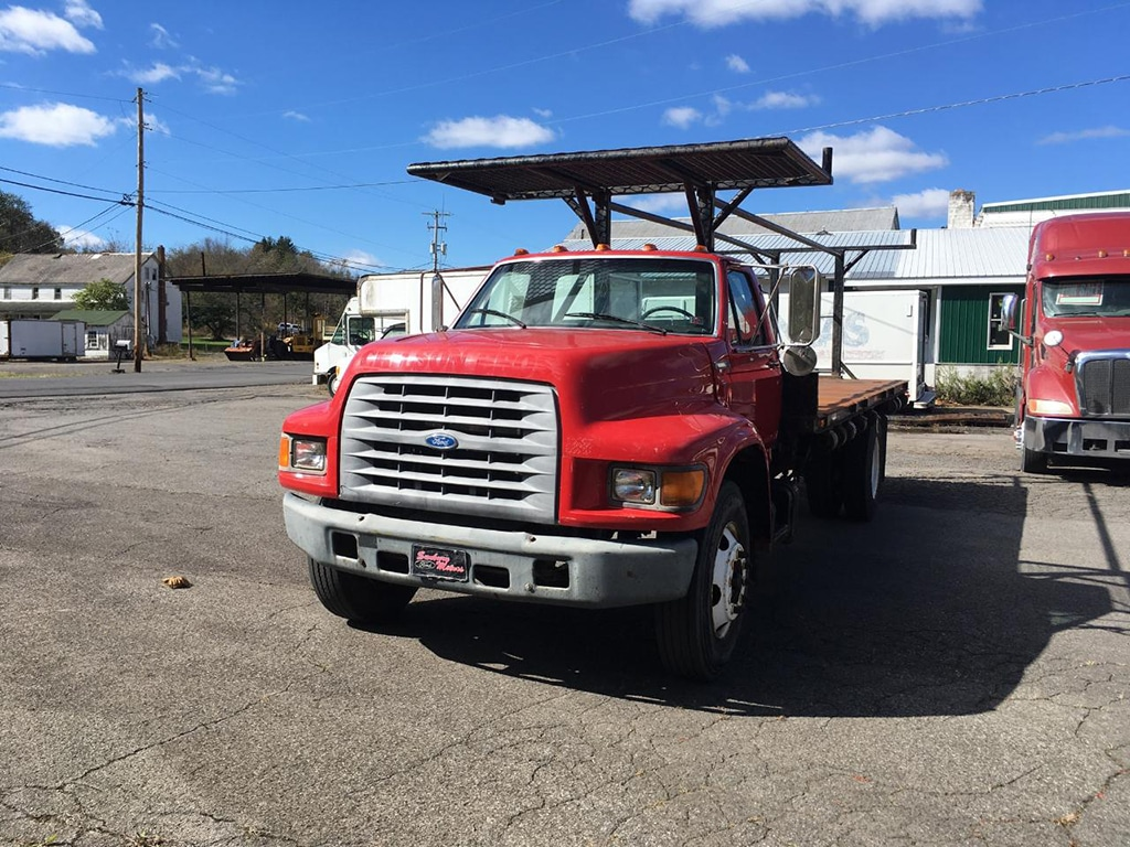 97 Ford F800 Flatbed
